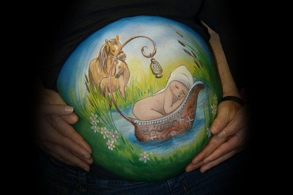 Een schattig plaatje deze bellypaint met paardjes die toekijken
