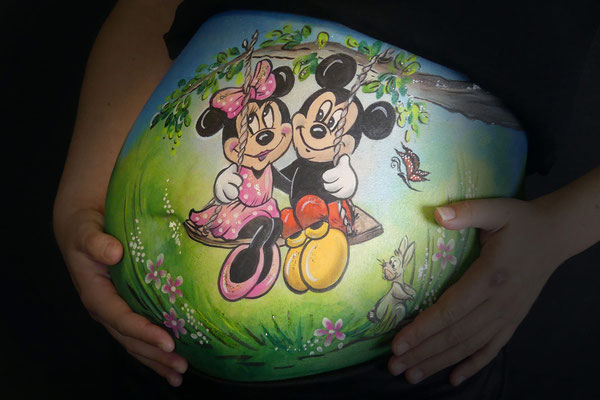 Mickey en Minnie Mouse in de bellypaint