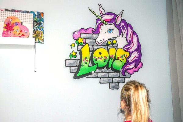 Eenhoorn muurschildering op meisjeskamer