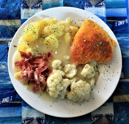 10.06.2020 Cordon Bleu mit Kartoffeln, Blumenkohl und heller Soße und Schinken