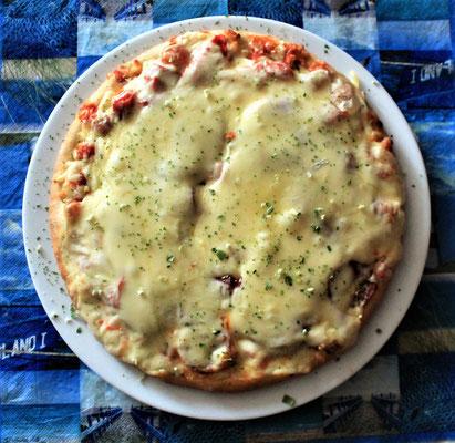 19.06.2020 Pizza Salami mit ganz viel Käse