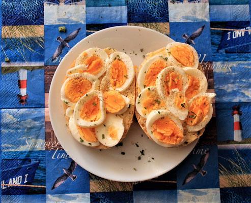 03.04.2020 Brötchen mit Ei