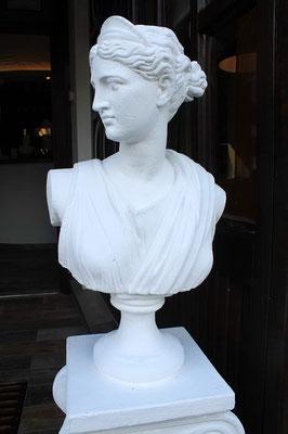 www.akropolis-bederkesa.de AKROPOLIS , Gröpelinger Straße 6,, 27624 Bad Bederkesa