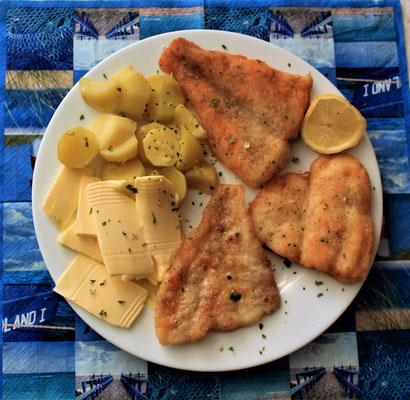 20.04.2020 Fischteller: Pangasius- und Schollenfilet mit Kartoffeln und Butter
