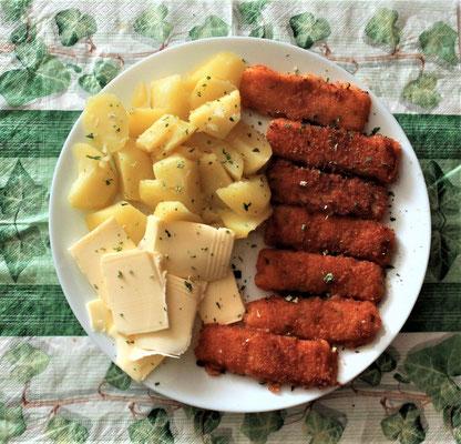 19.03.2020 Fischstäbchen mit Kartoffeln und Butter