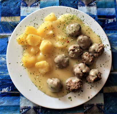 28.06.2020 Königsberger Klopse mit Kartoffeln und heller Soße