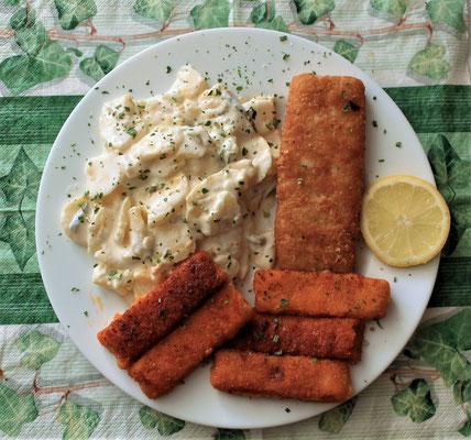 05.03.2020  Backfisch, Fischstäbchen mit Kartoffelsalat und Zitrone