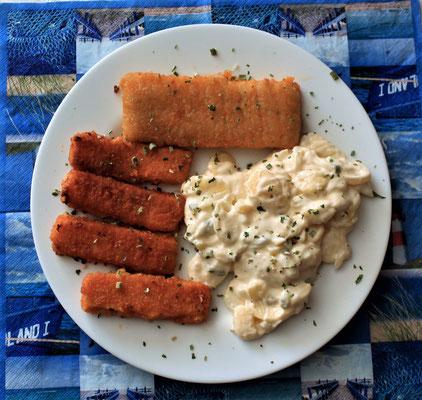 04.05.2020 Fischstäbchen, Backfisch mit Kartoffelsalat