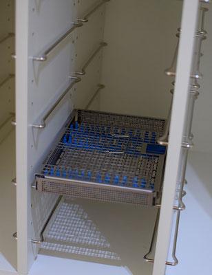 Jochen Katz, individuelles Schranksystem für sterilisierte Instrumente