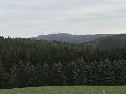 Wanderweg mit Blick zur Augustusburg