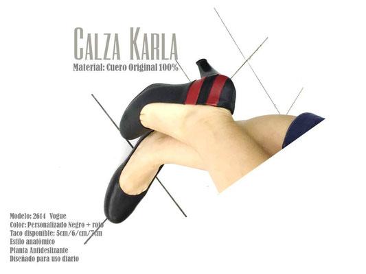 zapato con tiras rojas