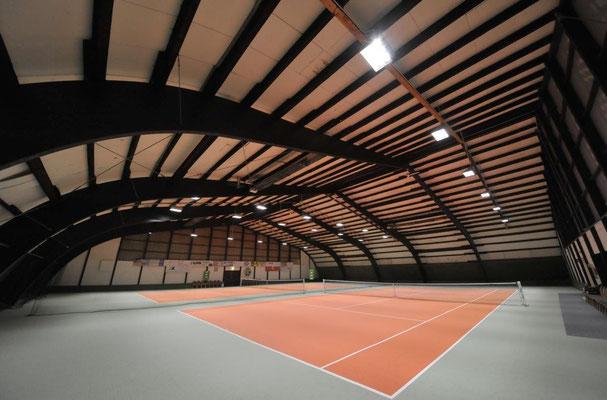 die Gustav-Tesnau-Halle mit LED-Beleuchtung