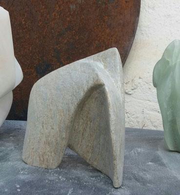 Skulptur, 2016, ca. 13 X 13 X 4 cm, Speckstein
