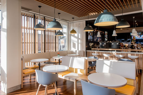 New lighting concept for the McDonalds store in the south of Hamburg | ELkomp Nord GmbH