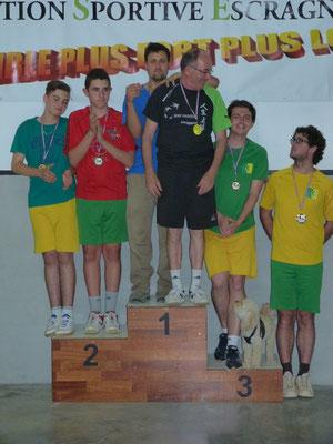 Podium de double: victoire de John et Jean-Pierre, devant Marius et Ugo, Cyril et Damien (et Diamant)