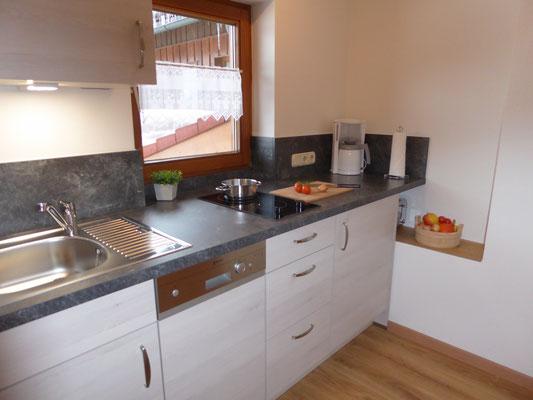 Küchenzeile, voll ausgestattet, Spülmaschine