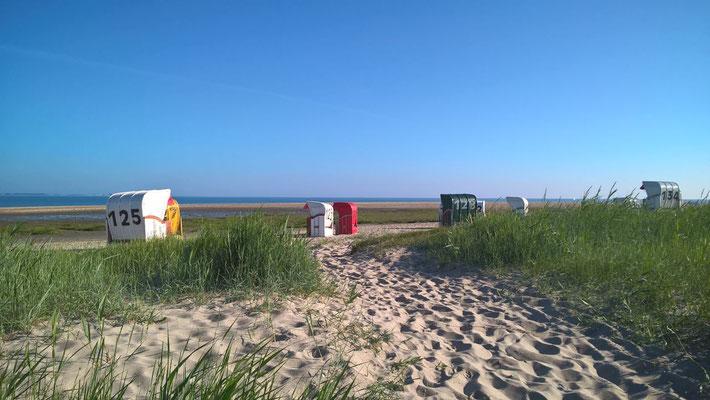 Hooksiel, Sandstrand, Ferienwohnung Sonnenhook in Hooksiel, Wangerland, Strandkorb inklusive