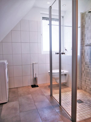 Ferienwohnung Sonnenhook in Hooksiel, Wangerland, Nordsee, 1 Badzimmer, ebenerdige Dusche, Waschmaschine