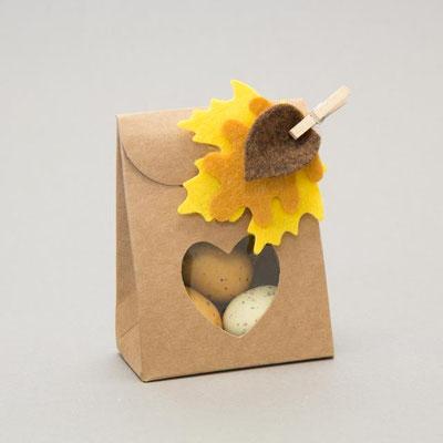 Faltschachtel Box mit Herzfenster