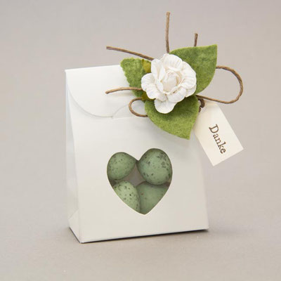 Faltschachtel Box mit Herzfenster weiß