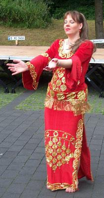 Orientalischer Tanz - 2002 (Foto: R. Ahlgrimm)