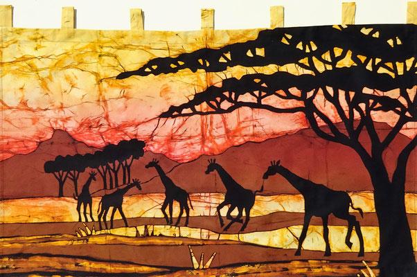 Batik schilderij. Vijf giraffen. H 70 x Br 120 cm. € 150,- (hoogte zonder de lussen).