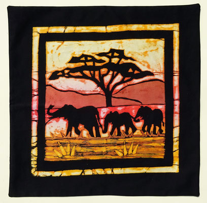 Batik cushion cover Elephants size 40 x 40 cm € 49,-