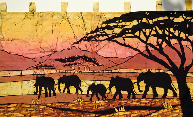 Batik wall hanging.  Five elephants. H 60 x W 112 cm. € 90,- (size without loop). SOLD.