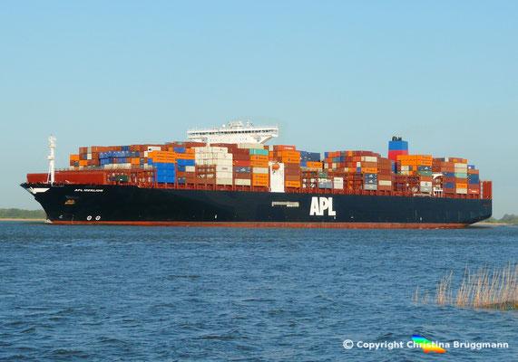 Containerschiff APL MERLION, Elbe 06.05.2015 / BILD 12