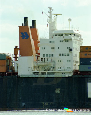 Hapag-Lloyd Containerschiff FRANKFURT EXPRESS, Elbe 2003,  BILD 6