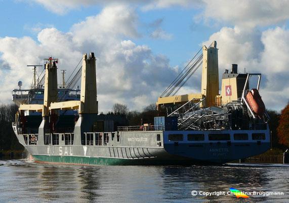 """SAL Heavy Lift vessel """"ANNETTE auf dem Nord-Ostsee-Kanal, 06.11.2017"""