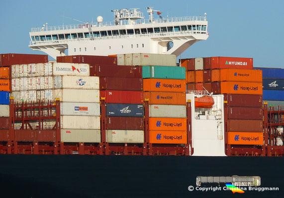 Containerschiff APL MERLION, Elbe 06.05.2015 / BILD 13