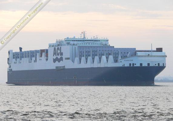 ATLANTIC STAR auf der Jungfernreise ausgehend Hamburg 19.12.2015