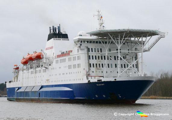 """Offshore Wohnschiff """"BLUEFORT"""" auf dem Nord-Ostsee-Kanal, 21.03.2018"""