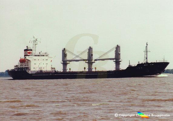 """""""IDA"""" bei Ausreise von Hamburg abgeladen auf der Elbe 06.2001, Bild 4"""