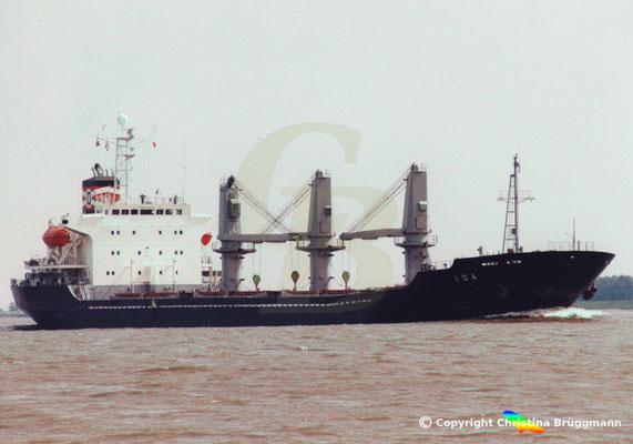 """""""IDA"""" bei Ausreise von Hamburg abgeladen auf der Elbe 06.2001, Bild 3"""