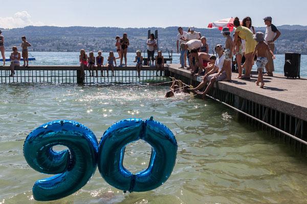 90-Jahr-Jubiläum des Schwimmfests