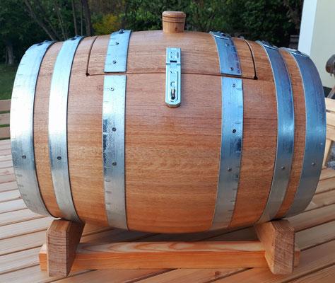 """""""Fasstruhe"""" - Hergestellt aus einem 50 Liter neuen Eichenfass."""