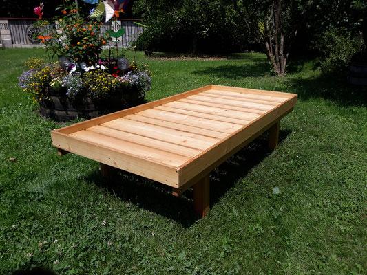 Gartenliege aus Lärchenholz geölt