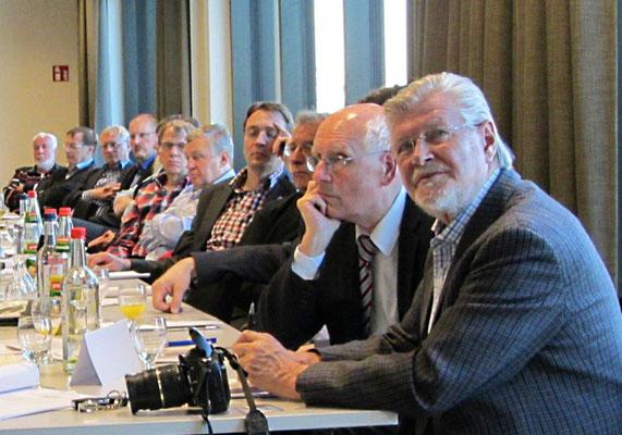 Ehrengäste und Delegierte