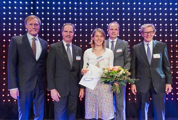 Maya Rehberg und Gratulanten (Foto: LSV/Frank Peter)