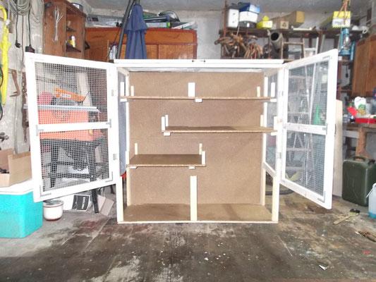 Käfig komplett montiert, ohne Glas (offen)