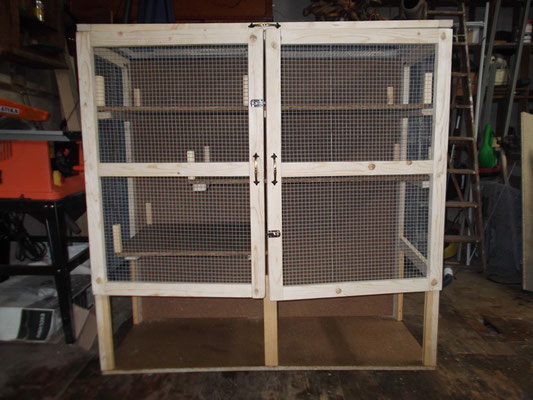 Käfig komplett montiert, ohne Glas (geschlossen)