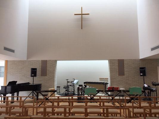 会場は教会隣の信徒会館
