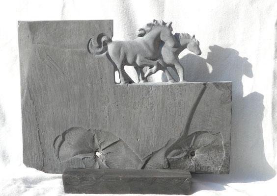 Equus A - 2017 - h : 25cm - Ardoise - Oeuvre de Sylvianne Selma