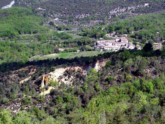 Village de Gignac et les ocres.