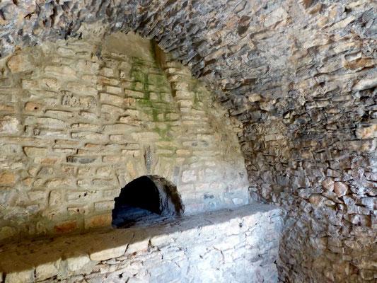 Le four à pain (encore en activité) du hameau de La Lauze