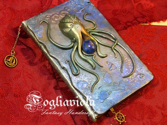 Tiny Cthulhu diary fantasy handmade by Fogliaviola