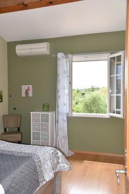 Schlafzimmer - Ansicht mit Fenster