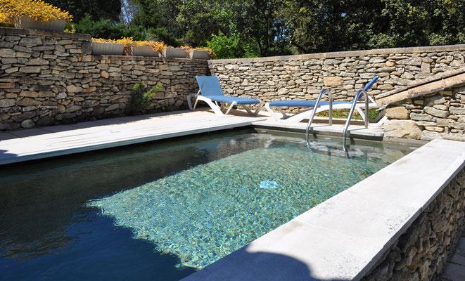 Coin Secret - der Pool zur Erfrischung und Aquagymnastik ...
